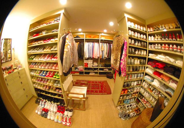 walk-in closet 步入式衣帽间