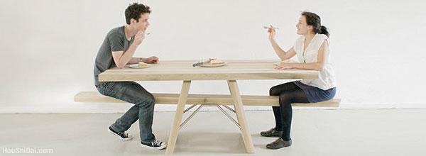 充满情趣的跷跷板桌子设计
