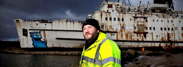 涂鸦画廊-英国报废轮船