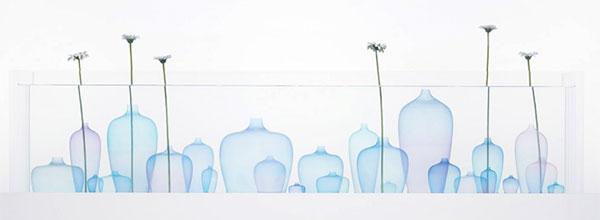 像水母一样漂浮的花瓶